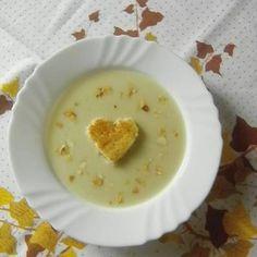 Fokhagyma krémleves Cheeseburger Chowder, Pudding, Meals, Desserts, Soups, Food, Tailgate Desserts, Deserts, Meal