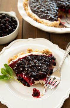 Huckleberry Desserts, Huckleberry Cheesecake, Huckleberry Ice Cream, Cheesecake Toppings, Easy Cheesecake Recipes, Raw Food Recipes, Baking Recipes, Dessert Recipes, Recipes