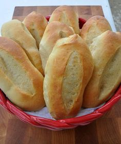 Italian Bread Recipes, Italian Hoagie Roll Recipe, Italian Rolls, Pain Pizza, Bread Bun, Bread Rolls, Bread Machine Recipes, Artisan Bread, Rolls Recipe