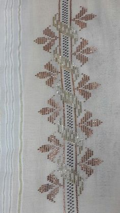 This Pin was discovered by Bas Embroidery Stitches, Hand Embroidery, Weaving Patterns, Bargello, Needle And Thread, Tatting, Bohemian Rug, Diy And Crafts, Projects To Try