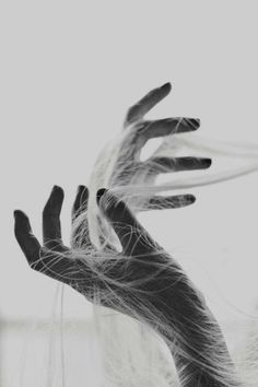 Woman / Hands / Black and White Photography Hand Fotografie, Sasori And Deidara, Hand Photography, People Photography, Dreamy Photography, Minimal Photography, Figure Photography, Monochrome Photography, Creative Photography