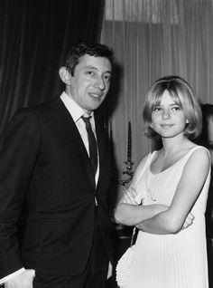 Gainsbourg et France Gall en 1968 lors de l'Eurovision Serge Gainsbourg, Gainsbourg Birkin, Photo Vintage, Vintage Vogue, Vintage Photos, France Gall, French Collection, Famous French, Provocateur