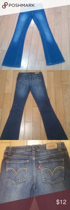 LEVI'S JEANS FOR GIRLS SIZE 10 IN GREAT CONDITION SIZE 10 LEVI'S JEANS FOR GIRLS Levi's Bottoms Jeans