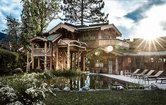 Baumhaus   Garten   Teich   Urlaub    Ellmau Design Hotel, Boutique Hotels, Mansions, House Styles, Flora, Mountain, Live, Patio, Large Bedroom