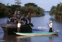 October 1967 - A Brown Water Navy's PBR (Patrol Boat River) atrolling in the Mekong Delta. (Photo by Fondation Gilles CARON/Gamma-Rapho via Getty Images) Gilles Caron, Brown Water Navy, Mekong Delta, Fast Boats, Artwork Pictures, Vietnam War, United States, Military, River
