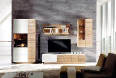 Fein strukturierte Holzfronten kombiniert mit edlem #Betongrau verleihen dem Zuhause einen modernen und gemütlichen #Höhlen-Charakter