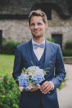 Un costume pour le marié.