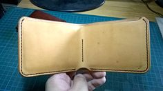 Italian veg tan test piece - @seguegoods Blankfold #leathercraft #leathergoods #leather #vegtan #fullgrainleather #handstitched #handmade #bandung #indonesia by donblanc #tailrs