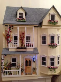 Dolls House - Excellent Condition- Beautifully Finish - Fully Furnished | eBay