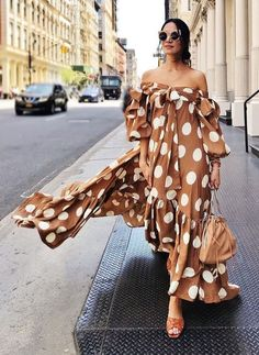 Fashion Off The Shoulder Point Print Maxi Dress – pretty maxi dresses,maxi dress style,maxi dress summer,maxi outfit ideas Sexy Bluse, Dress Skirt, Dress Up, Vestido Dress, Gown Dress, Dress Clothes, Polka Dot Maxi Dresses, Polka Dot Outfit, Look Street Style