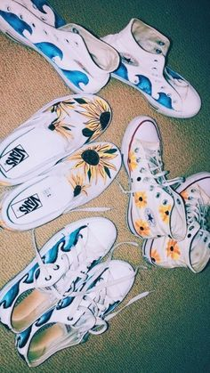 Outfits With Vans – Lady Dress Designs Sock Shoes, Women's Shoes, Me Too Shoes, Converse Shoes, Shoes Sneakers, Dress Shoes, Painted Vans, Painted Shoes, Hand Painted