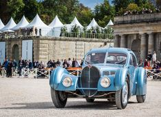This 1936 Bugatti Type 57 SC Atlantic Coupe won the 2017 Chantilly Arts & Elégance Richard. Bugatti Type 57, Bugatti Cars, My Dream Car, Dream Cars, Vintage Cars, Antique Cars, Dinner In Paris, Hispano Suiza, Cutaway