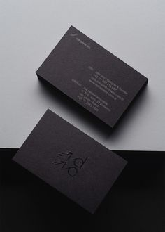 14 of the Best Clean & Minimal Business Card Designs Luxury Business Cards, Real Estate Business Cards, Minimal Business Card, Black Business Card, Free Business Cards, Business Card Design, Buissness Cards, Business Card Maker, Name Card Design