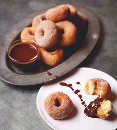 Easy Spanish Doughnuts and Hot Chocolate Sauce Kitchen Aid Recipes, Cooking Recipes, Breakfast Recipes, Dessert Recipes, Desserts, Hot Chocolate Sauce, Cocoa Cinnamon, Family Meals, Family Recipes
