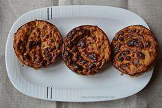 Pastelitos salados de lentejas y pimiento rojo al horno  Ingredientes:  200gr de lentejas cocidas 1/2 pimiento rojo 1 huevo Pimienta Ajo en polvo 1 cucharadita de levadura