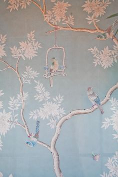 Pretty Birds l chinoiserie wallpaper Et Wallpaper, Chinoiserie Wallpaper, Fabric Wallpaper, Gracie Wallpaper, Scenic Wallpaper, Painted Wallpaper, Custom Wallpaper, Disney Wallpaper, Wallpaper Quotes
