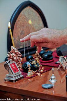 Krishna Leela, Bal Krishna, Jai Shree Krishna, Cute Krishna, Radhe Krishna, Lord Vishnu, Lord Shiva, Temple Design For Home, Radha Rani