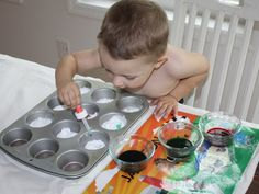 "Toddler Fun: Make ""volcanoes"" by mixing vinegar (colored with food coloring) and baking soda... so fun!"