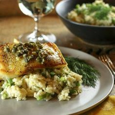 Chilean sea bass with lemon, dill & caper sauce - Healthy Fish Food İdeas Fish Dishes, Seafood Dishes, Seafood Recipes, Dinner Recipes, Cooking Recipes, Healthy Recipes, Budget Cooking, Entree Recipes, Oven Recipes