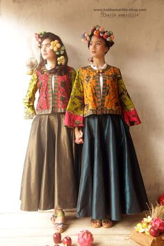 Batik Amarillis Made In Indonesia proudly presents... Batik Amarillis's Amarillissima jacket in Batik Wonogiren owl series & Taffeta skirt ... A beautiful and mesmerizing ethereal collection of fairytale inspired.. Batik Amarillis's Amarillissima jacket is beautiful unique & special ,The style is vintage 1867's Victorian wardrobe inspired ,The unique style & cutting of this beautifully tailored garment will turn heads with its captivating design.