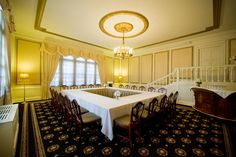 Gold Room at the University Club of Portland. #universityclubofportland #uclubpdx