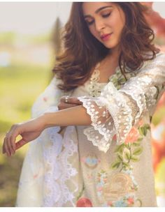 Best 12 50 Latest sleeves design for kurti to try in 2019 Kurti Sleeves Design, Sleeves Designs For Dresses, Kurta Neck Design, Dress Neck Designs, Sleeve Designs For Kurtis, Kurti Designs Party Wear, Kurta Designs, Blouse Designs, Pakistani Dress Design