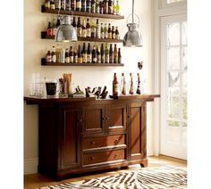 Small home bars are versatile and fun interior decorating ideas. A small bar design is great for a bachelor apartment and a family home, bringing fun, convenience and elegant luxury into interior deco Mini Bars, Bar Furniture, Modern Furniture, Small Bars For Home, Bar Cart Decor, Bar Designs, Design Ideas, Interior Decorating, Interior Design