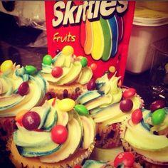 Skittles cakes