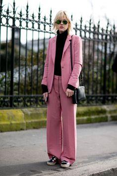 【SPUR】ピンクをこよなく愛するブロガーのセットアップスタイル | エディター注目のトレンドカラー、ピンクに恋して