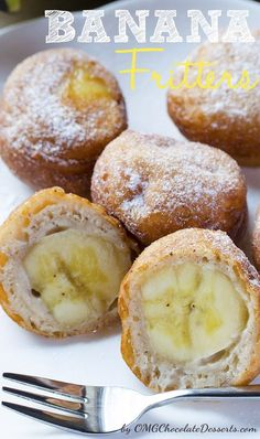 Couple of bananas extra? The time is for delicious Banana Fritters. Perfect for any occassion! Tolle Desserts, Just Desserts, Delicious Desserts, Dessert Recipes, Yummy Food, Banana Fritters, Muffins, Banana Recipes, Scones