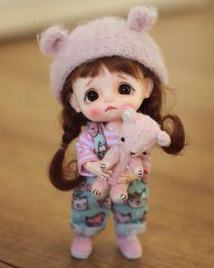 Cute Cartoon Pictures, Cute Cartoon Girl, Beautiful Barbie Dolls, Pretty Dolls, Cute Baby Dolls, Cute Babies, Cute Girl Hd Wallpaper, Girl Cartoon Characters, Tiny Dolls
