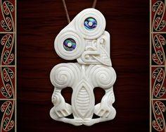 New Zealand Maori Bone Ariki Hei Tiki Maori Bone Pendant Polynesian People, Maori Patterns, Maori People, New Zealand Landscape, Maori Art, Paua Shell, Nativity Crafts, Bone Carving, Indigenous Art