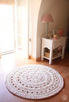 Alfombra de Ganchillo XXL en blanco roto. Crochet Rug