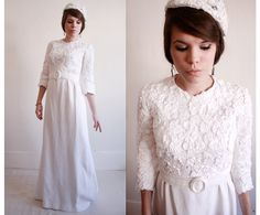 vintage sleeved wedding dress