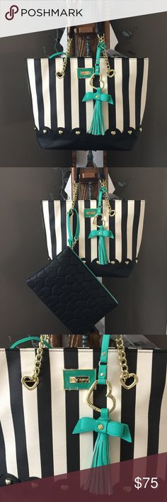 """🍂New🍂Betsey Scalloped Bottom Tote Beautiful Black/Cream Stripe Tote with large detachable insert wristlet.  My iPad Air is the next to largest and there is still plenty of room. I believe it will hold the large iPad. Black gold studded bottom, 9.5"""" gold chain should strap drop. Inside, 2 slip pockets & 1 zip pocket. Center snap closure. Great work bag or travel bag! Insert bag, 13.5"""" x 10"""". NWT Betsey Johnson Bags Totes"""