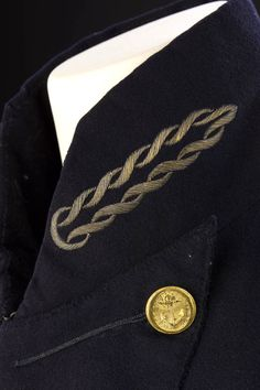 Royal Naval uniform: pattern 1805 - National Maritime Museum (Embroidery on surgeon's collar)