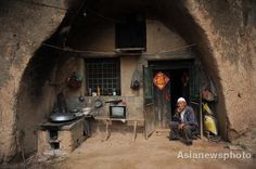Cave Men in China- Photos of Chinese Who Still Live in Caves ...550 x 365 | 35KB | chinadaily.com.cn