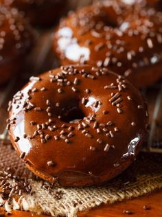 Triple Chocolate Cake Donuts - Chef in Training Just Desserts, Delicious Desserts, Yummy Food, Delicious Donuts, Chocolate Cake Donuts, Chocolate Lovers, Donut Recipes, Cooking Recipes, Yummy Recipes