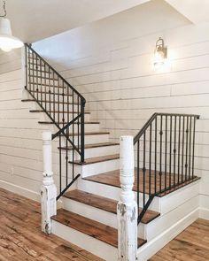 80 Modern Farmhouse Staircase Decor Ideas (34)