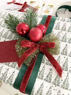 Creative Gift Wrapping, Creative Gifts, Wrapping Gifts, Wrapping Ideas, Christmas Time, Christmas Crafts, Holiday, Jingle All The Way, Christmas Gift Wrapping