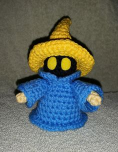 Vivi, aka the Black Mage, from your favorite final fantasy games! This lovable plushie was created with Jana Whitley's pattern, which can be found on Ravelry. Crochet Monsters, Crochet Animals, Crochet Toys, Knit Crochet, Crochet Doll Pattern, Crochet Patterns, Black Mage, Plushie Patterns, Sock Animals