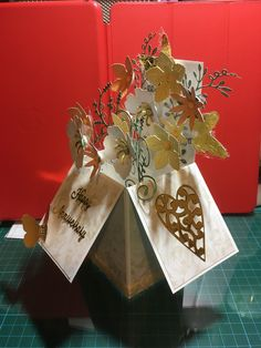 Exploding box card in yellow flowers