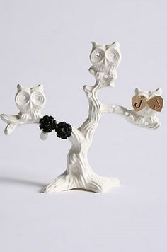 Owl Jewelry Stand  mine is brown