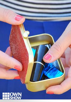 The Homemade Purse Organizer Everyone Needs #DIY #minttin Blog post: http://www.cremedelacraft.com/2012/07/diy-all-purpose-card-holder-from.html