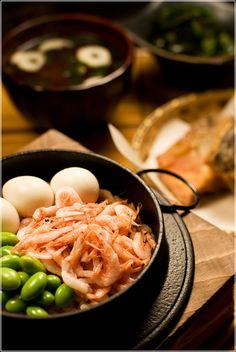 Japanese Kamameshi, Iron Pot Rice with Sakura-ebi Pink Shrimp, Edamame Bean and Quail Egg|たっぷり桜海老の釜飯