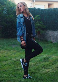 Hoy un look muy casual formado por leggings moteros,cazadora vaquera y zapatillas deportivas de Stefan Janoski para Nike.