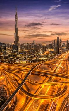 The last light over Sheikh Zayed Road. #Dubai #photography https://plus.google.com/+alpaciro27