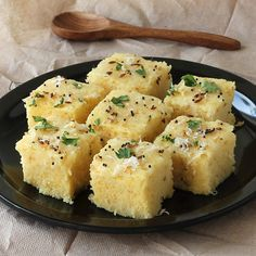 Spongy Khaman Dhokla - Popular Gujarati Snack for Breakfast - Instant Dhokla Made From Gram Flour (besan) - Serve with Green Chutney - Step by Step Photo Recipe Veg Recipes, Indian Food Recipes, Vegetarian Recipes, Snack Recipes, Cooking Recipes, Gujarati Cuisine, Gujarati Recipes, Gujarati Food, Khaman Dhokla