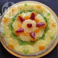 Foto da receita: Pizza doce de chocolate branco com frutas