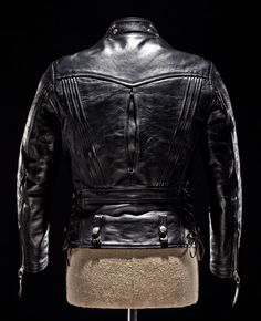Peter's TAILOR MADE Jacket Some beautiful leatherwork on the back of this jacket, very cool. Made for riding(sb)